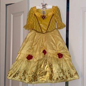 Beauty and the beast 🌹 dress Disney store 🎃